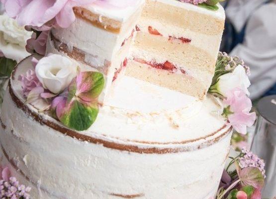 Erdbeer-Vanille-Buttermilch-Torte
